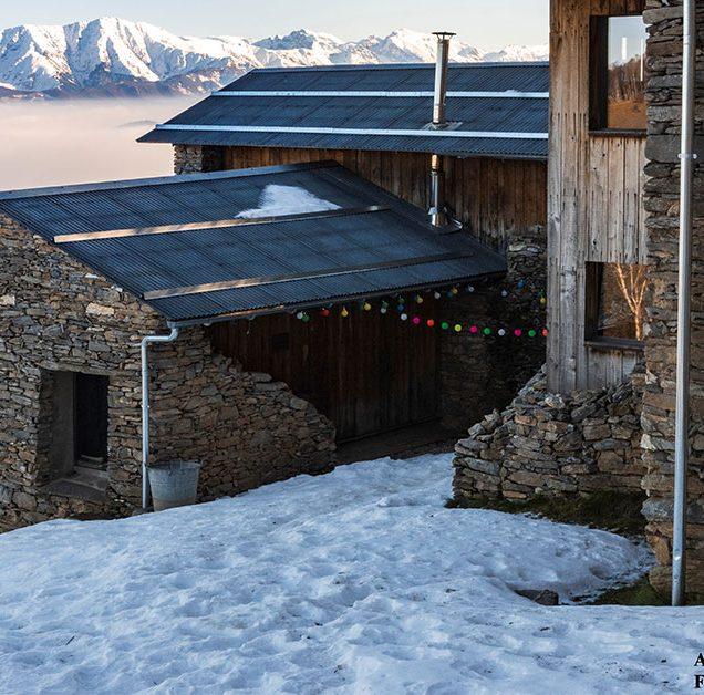 borgata paraloup con la neve
